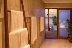 Hurawalhi_Sunrise_Beach_Villa_Interior-495x400