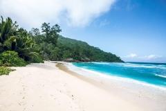 beach-1050x700
