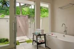 king-garden-villa-bathroom-1050x700