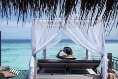1_overwater-villa-lounge