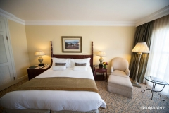 luxury-king-room-mountain-facing-3
